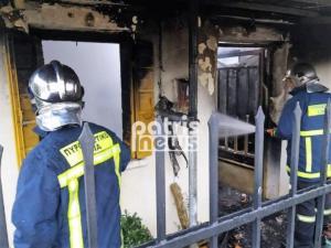 """Ηλεία: Λαμπάδιασε σπίτι από τζάκι – Στο """"τσακ"""" σώθηκαν δύο γυναίκες"""