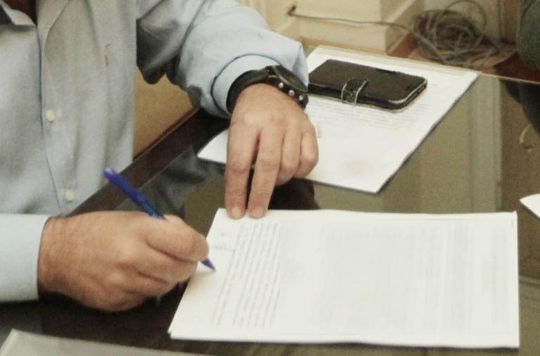 Μαζεύει υπογραφές για τη Μακεδονία υποψήφιος δήμαρχος Θεσσαλονίκης | Newsit.gr