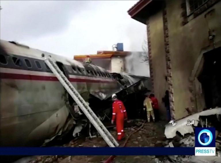 Το Boeing σταμάτησε στα σπίτια! – Σκηνές αποκάλυψης στο Ιράν [pics]