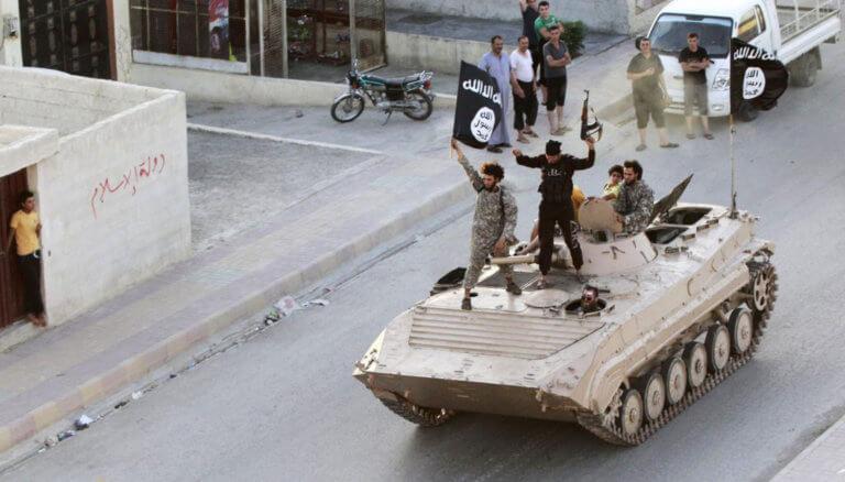 """Συγκλονίζει Ιρλανδός κρατούμενος του ISIS – """"Πίστευα ότι θα πεθάνουμε"""""""