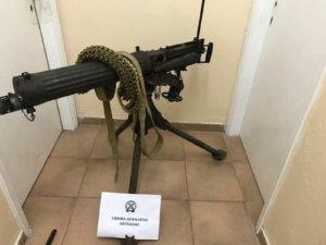 Λευκάδα: Μέχρι στρατιωτικό οπλοπολυβόλο είχε στο σπίτι του – video