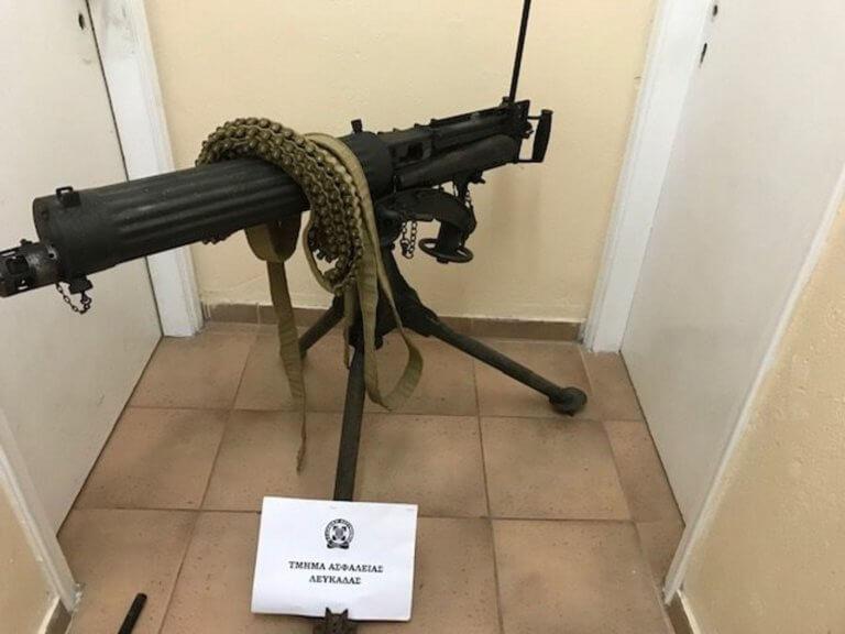 Λευκάδα: Μέχρι στρατιωτικό οπλοπολυβόλο είχε στο σπίτι του – video | Newsit.gr
