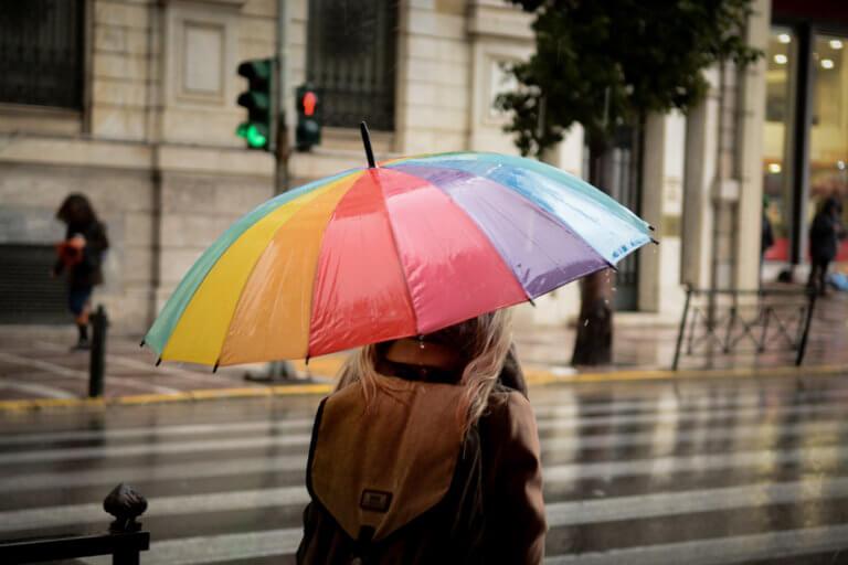 Καιρός: Έρχεται νέο κύμα με βροχές, καταιγίδες και νοτιάδες
