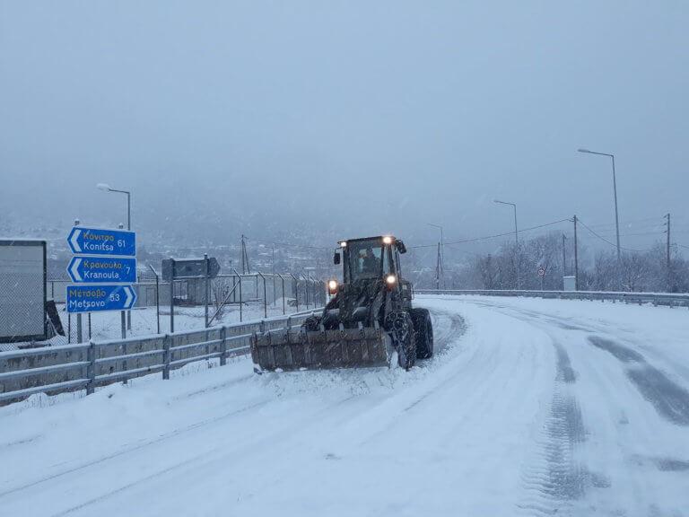 Καιρός: Που χιονίζει τώρα, ποιοί δρόμοι είναι κλειστοί σήμερα 25/02 – Συνεχής ενημέρωση