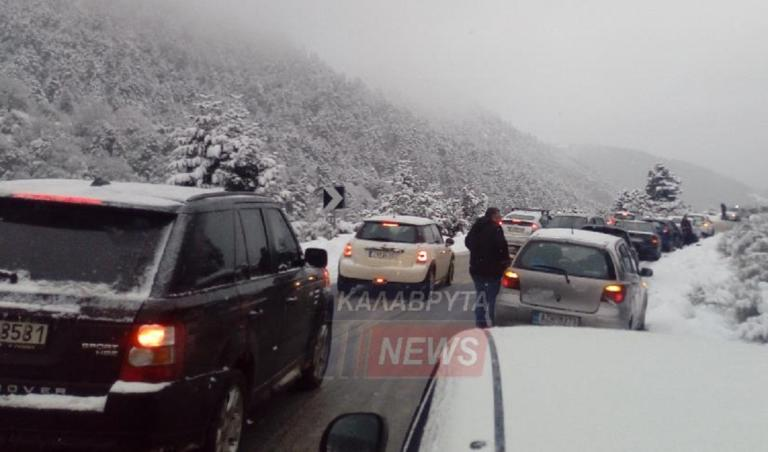 Καραμπόλα 20 αυτοκινήτων στα Καλάβρυτα λόγω παγετού! | Newsit.gr