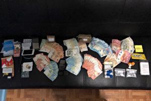 Κάλυμνος: Ανάμεσα στις βεντάλιες με τα ευρώ τα πειστήρια της ενοχής του – Αποδείθχηκε αμετανόητος [pics]