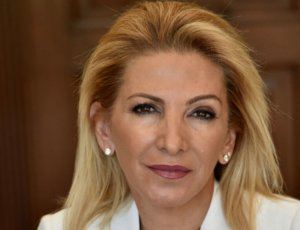 Σύνταγμα: Η θεσμική συνέπεια της Ν.Δ. απέναντι στη μικροκομματική εργαλειοποίηση του ΣΥΡΙΖΑ