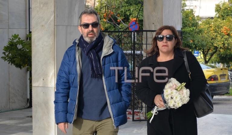 Θλίψη στην κηδεία του ηθοποιού Τρύφωνα Καρατζά -Οι συνάδελφοί του τον συνόδεψαν στην τελευταία του κατοικία   Newsit.gr