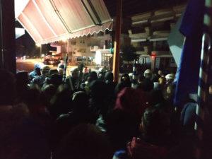 Συλλήψεις και τραυματίες στα επεισόδια έξω από το σπίτι βουλευτού του ΣΥΡΙΖΑ στην Κατερίνη