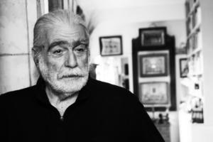 Χανιά: Πέθανε ο Κάρολος Καμπελόπουλος – Οι διάσημες γυναίκες που πέρασαν από τα χέρια του!