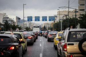 Δυο τροχαία στην Περιφερειακή Υμηττού – Τεράστιο μποτιλιάρισμα