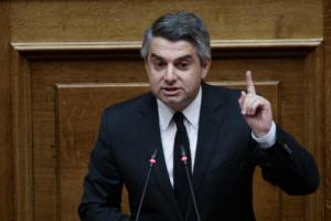 """Κωνσταντινόπουλος τα """"χώνει"""" σε Κρεμαστινό – """"Λυπάμαι και ντρέπομαι""""!"""