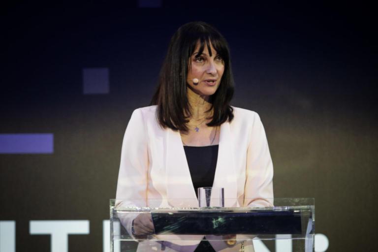Έλενα Κουντουρά: Στηρίζω την κυβέρνηση | Newsit.gr