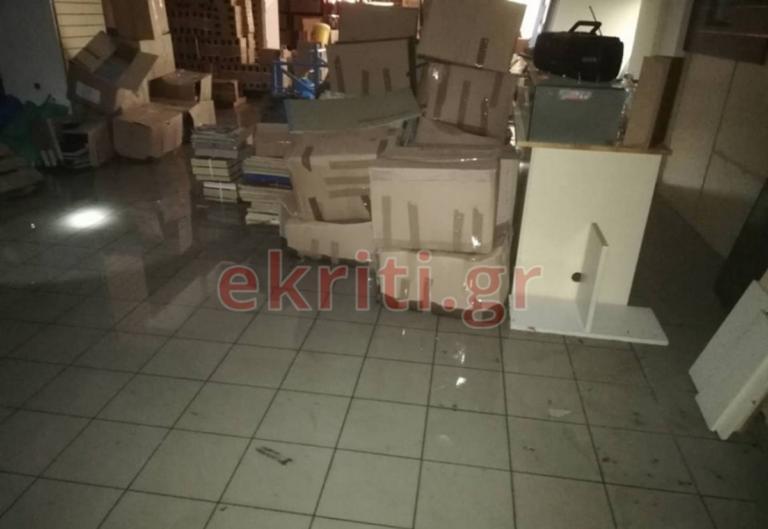 Λούτσα τα αρχεία του κράτους στο Ηράκλειο! Καταστράφηκαν γιατί… δεν αγοράστηκαν ράφια! [pics] | Newsit.gr