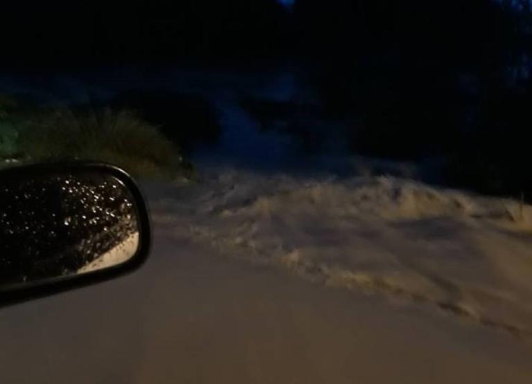 Πλημμύρες στην Κω! Ξεχείλισαν τα ποτάμια και αποκλείστηκαν δρόμοι! – video | Newsit.gr