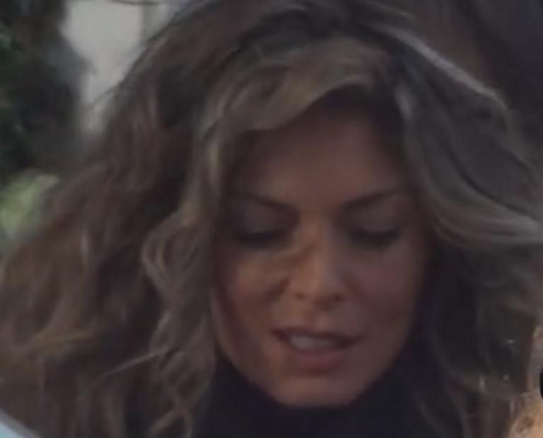 Θεσσαλονίκη: Η Κατερίνα Λάσπα κέντρισε τα βλέμματα με τη γούνα που φορούσε – Αδύνατον να περάσει απαρατήρητη – video | Newsit.gr