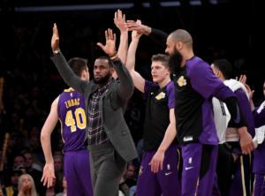 NBA – Λέικερς: Σοβαρό πρόβλημα με Λεμπρόν! Χάνει κι άλλα ματς ο «Βασιλιάς»