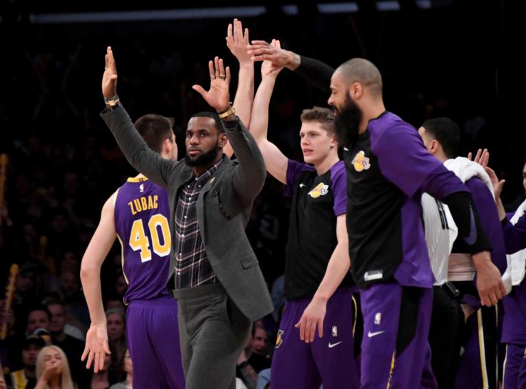 "NBA – Λέικερς: Σοβαρό πρόβλημα με Λεμπρόν! Χάνει κι άλλα ματς ο ""Βασιλιάς"""