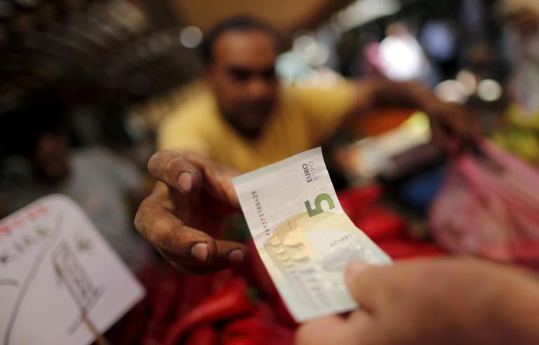 Κατώτατος μισθός: 40 ευρώ η αύξηση στην… καλύτερη