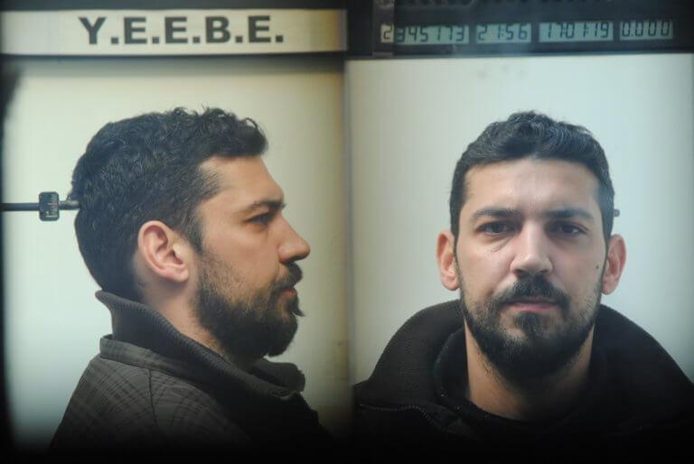 Θεσσαλονίκη: Αυτός είναι ο νεαρός που συνελήφθη για άγριες ληστείες – Τι βρέθηκε στο σπίτι του [pics] | Newsit.gr