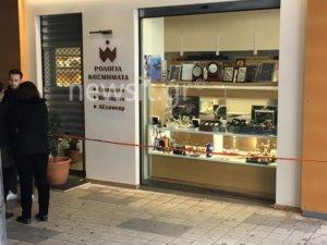 Ανθρωποκυνηγητό της Αστυνομίας – Ληστεία σε κοσμηματοπωλείο στη Μεσογείων