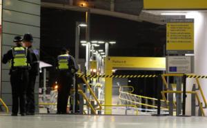 Επίθεση με μαχαίρι στο Μάντσεστερ – Τρεις τραυματίες [pics]