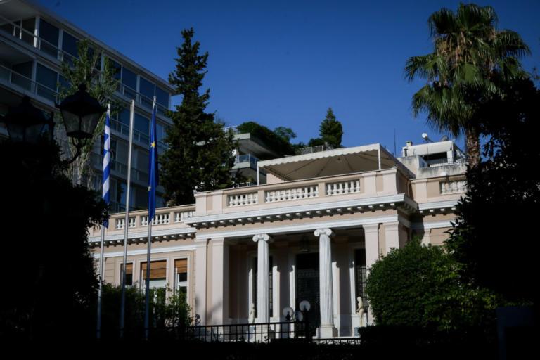 Μαξίμου: Ο κ. Μητσοτάκης φοβάται το debate για τη συμφωνία των Πρεσπών