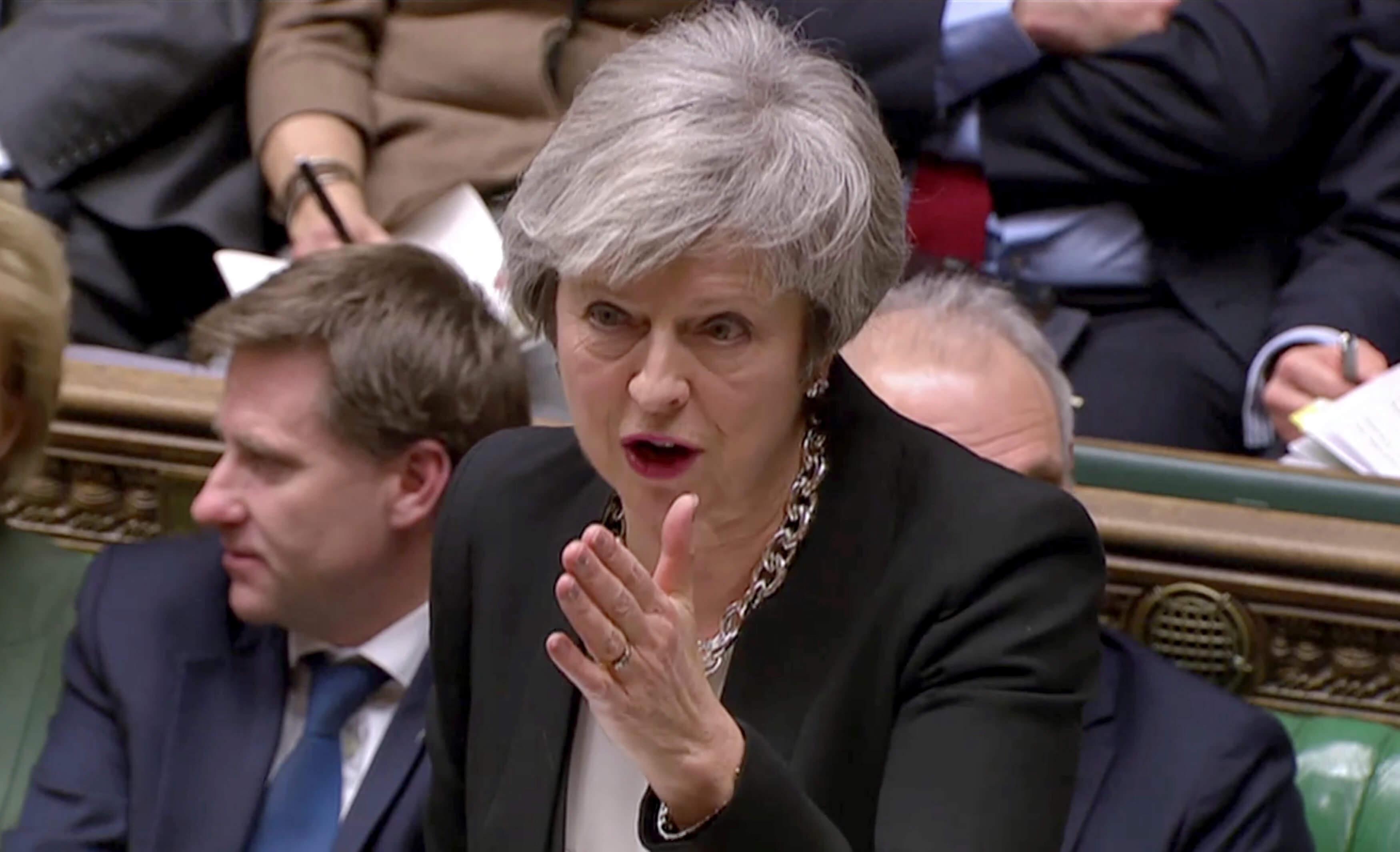 Μέι: Να στείλουμε μήνυμα στην ΕΕ για το τι συμφωνία θέλουμε για το Brexit