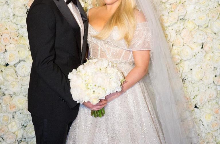 Διάσημη τραγουδίστρια παντρεύτηκε τον αγαπημένο της! Ο Δημήτρης Γιαννέτος επιμελήθηκε το look της νύφης [pics] | Newsit.gr