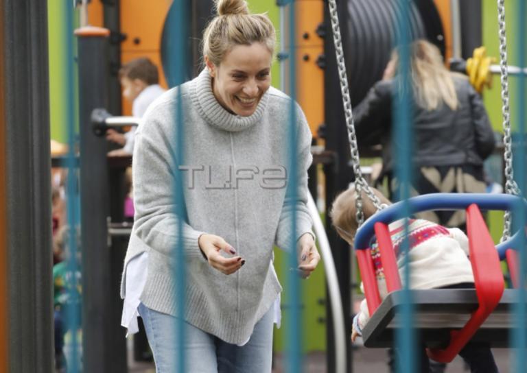 Ελεονώρα Μελέτη: Βόλτα στην παιδική χαρά μαζί με την κόρη της, Αλεξάνδρα! [pics]