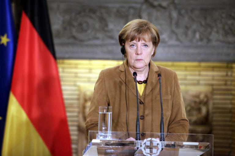 Πάγο στις ελπίδες για γερμανικές αποζημιώσεις βάζει η Μέρκελ λίγο πριν έρθει στην Αθήνα