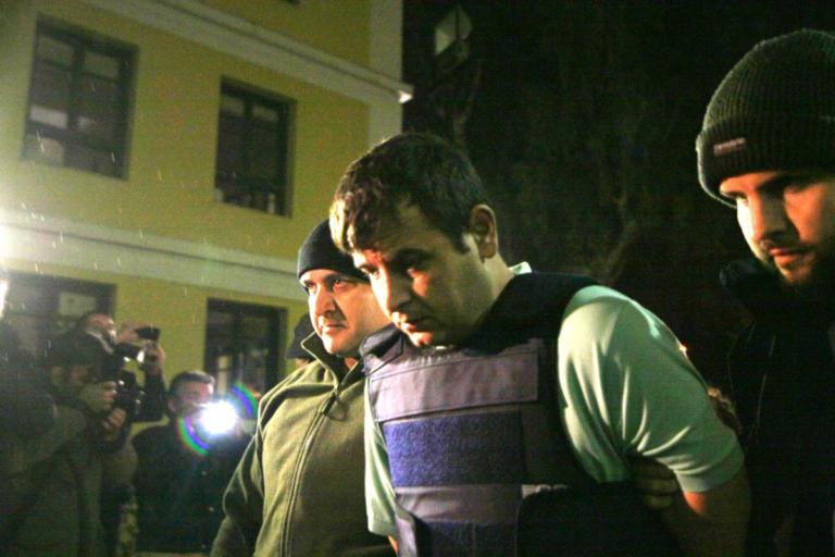 Σφαγμένος μέσα στον Κορυδαλλό ο μακελάρης του Μικρολίμανου [pics] | Newsit.gr