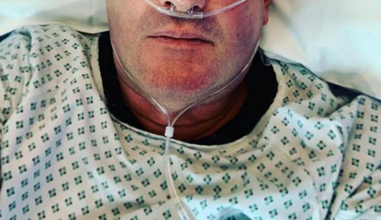 Στο νοσοκομείο γνωστός παρουσιαστής! Η φωτογραφία που σόκαρε τους διαδικτυακούς του φίλους… | Newsit.gr