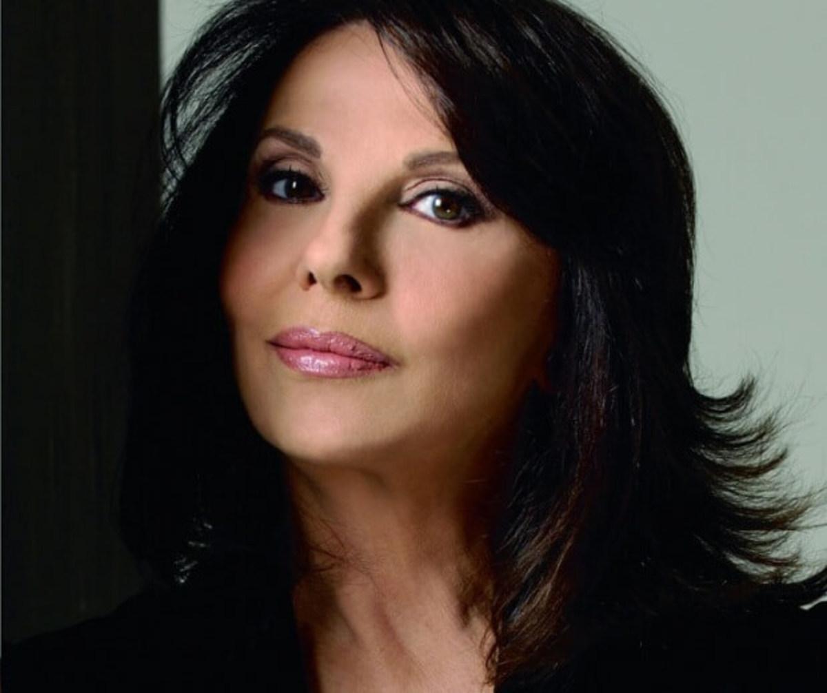 Μπέτυ Λιβανού: Σπάνια βραδινή έξοδος για την αγαπημένη ηθοποιό! Φωτογραφίες | Newsit.gr