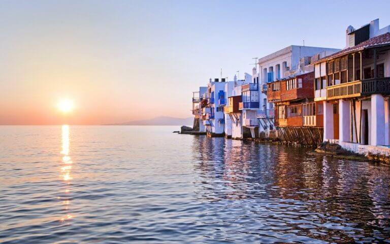 «Πούλησα 3 σπίτια στην Κηφισιά και 3 στη Μύκονο» | Newsit.gr