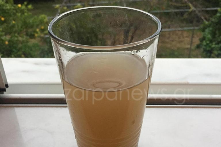Χανιά: Οικογένεια βλέπει αυτό το νερό επί 8 μήνες – «Εχουμε μωρό και δεν ασχολείται κανείς» [pic] | Newsit.gr