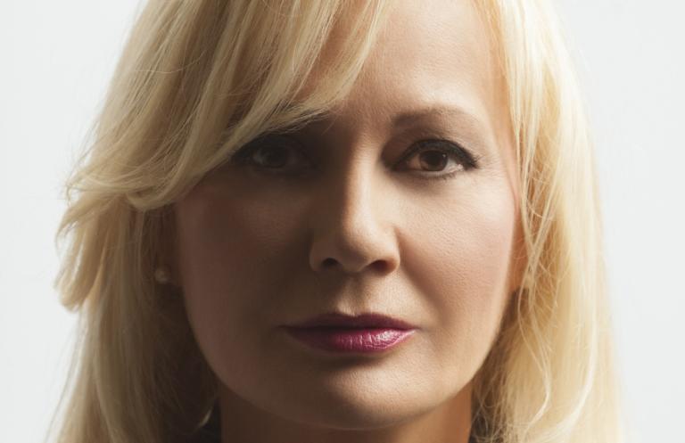 Συγκλονίζει η Αγγελική Νικολούλη με την προσωπική της εξομολόγηση: «Έτσι ξαφνικά γράφονται οι τραγωδίες…» | Newsit.gr
