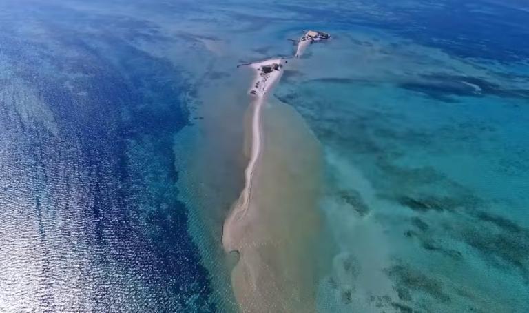 Το παραδεισένιο ελληνικό νησί που είναι όλο παραλία και μάγεψε τον Σικελιανό