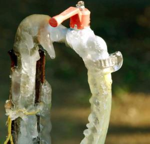 Καιρός: Οδηγίες από την ΕΥΔΑΠ για να προστατευτείτε από τον παγετό!