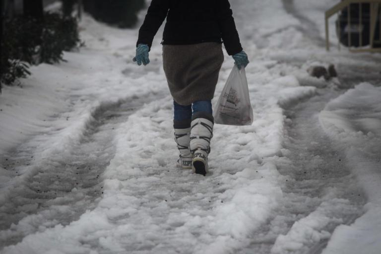 Καρπενήσι: Έτσι δεν πιάνουν πάγο τα πεζοδρόμια – Το έργο που έλυσε το πρόβλημα ντόπιων και τουριστών! | Newsit.gr