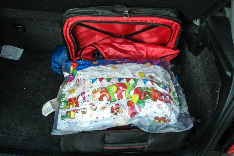 Ηλεία: Αυτό το… δώρο γενεθλίων έκρυβε το σκοτεινό μυστικό τους – Η αλήθεια που έφερε συλλήψεις [pics]
