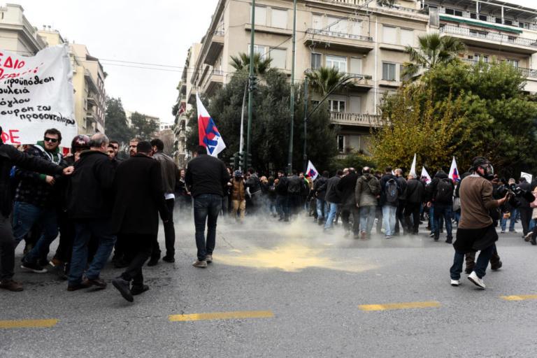 ΠΑΜΕ: Τα ΜΑΤ χτυπούσαν όποιον έβρισκαν μπροστά τους στην συγκέντρωση των εκπαιδευτικών | Newsit.gr