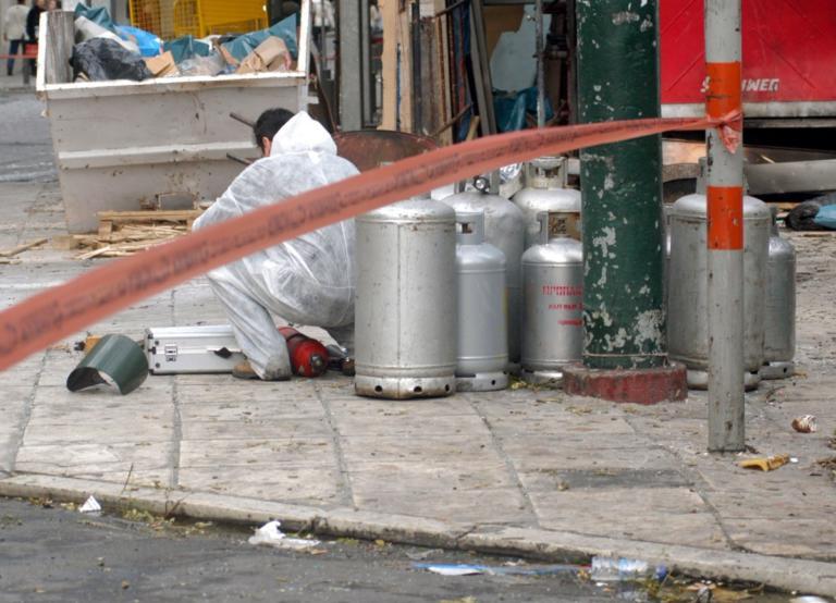 """Τρόμος στη Λάρισα: """"Θα ανατινάξω φιάλες προπανίου""""!"""