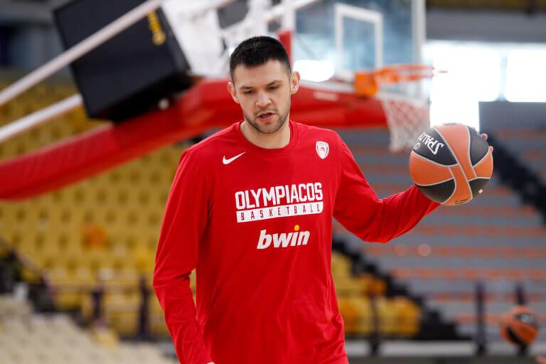 Ολυμπιακός: Πρόβλημα με Παπανικολάου! Δεν παίζει με Κύμη | Newsit.gr