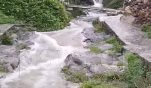Πάρος: Ρεκόρ… βροχής και θυελλώδεις άνεμοι – Φούσκωσαν τα ποτάμια – video
