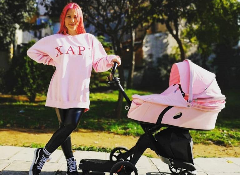 Πηνελόπη Αναστασοπούλου: Ποζάρει με την δύο μηνών κόρη της και δηλώνει ερωτευμένη! [pic]
