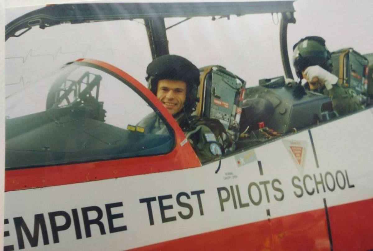pilotos3 - Μεσολόγγι: Αυτός είναι ο πιλότος του αεροσκάφους που κατέπεσε – Άκαρπες οι έρευνες