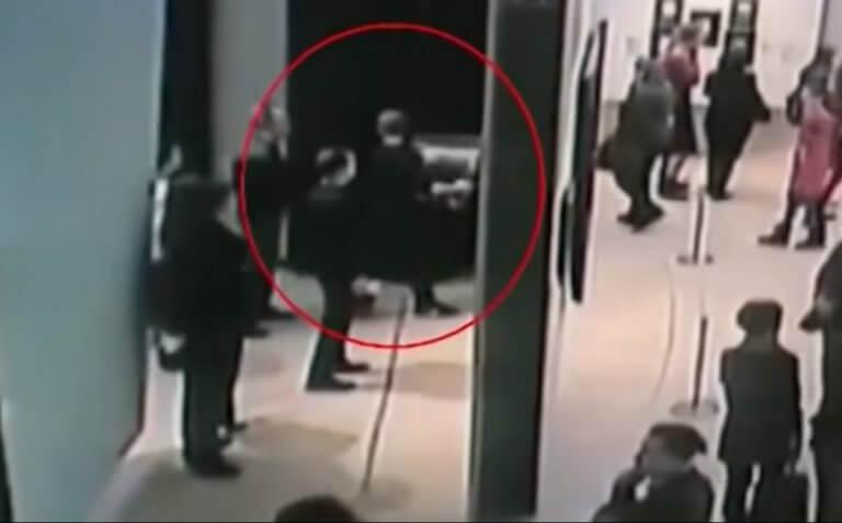 Μόσχα: Ανενόχλητος! Πήρε τον πανάκριβο πίνακα ζωγράφου ελληνικής καταγωγής… κι έφυγε! video | Newsit.gr