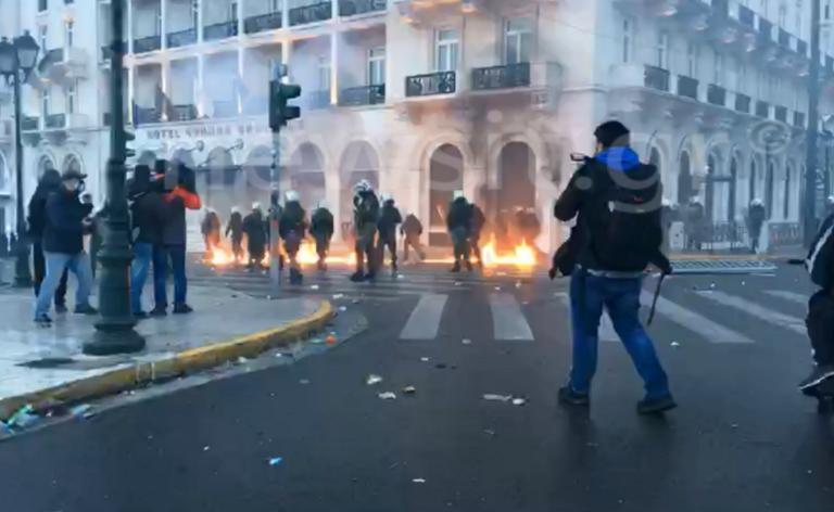 Συλλαλητήριο – Μακεδονία LIVE: Μολότοφ, χημικά και νέος γύρος επεισοδίων! | Newsit.gr