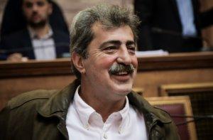 Πολάκης: Καταγγελία ότι υποχρέωσε δημοσιογράφο να σβήσει φωτογραφία του!